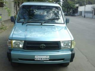 2002 Toyota Qualis GS C8