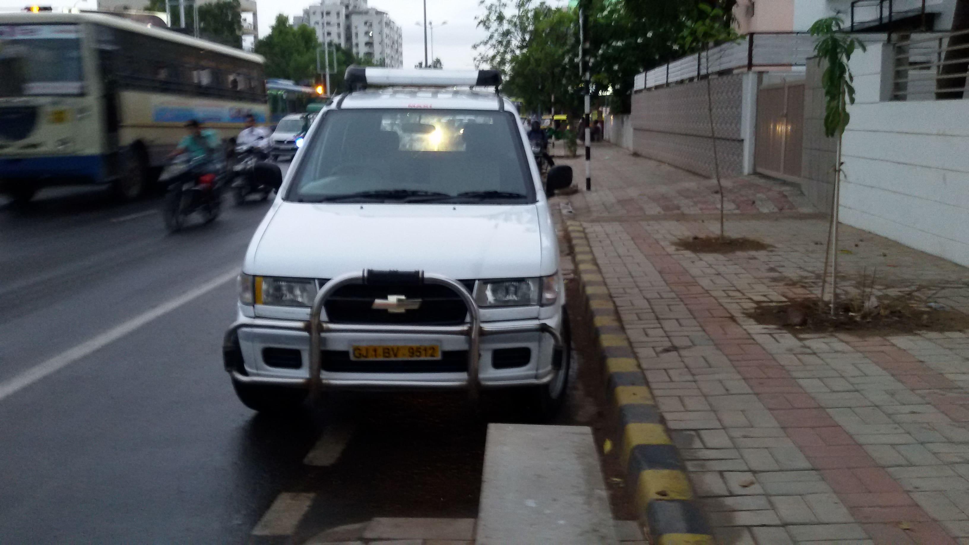 Used Chevrolet Tavera 2003-2007 B2-10 seats BSIII (Id-896872) Car in Ahmedabad