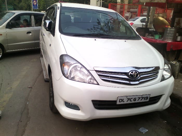 Used Toyota Innova 2009-2011 2.0 V Petrol 8-seater (Id-639514) Car in New Delhi